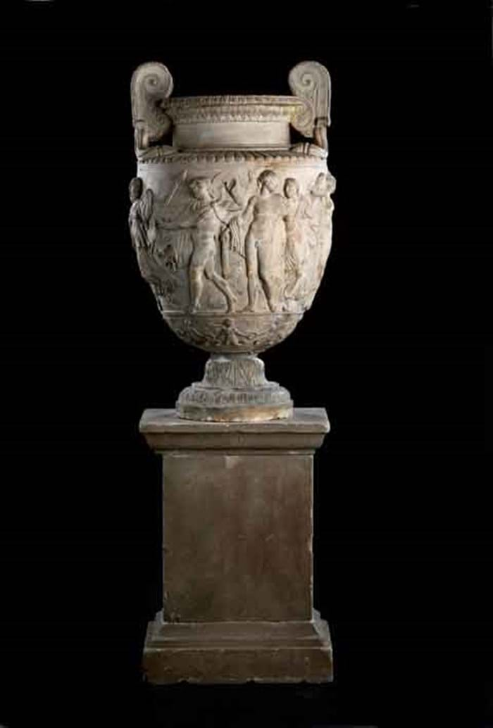 14-05-30-2144AR01C Coadestone Townley Vase.jpg