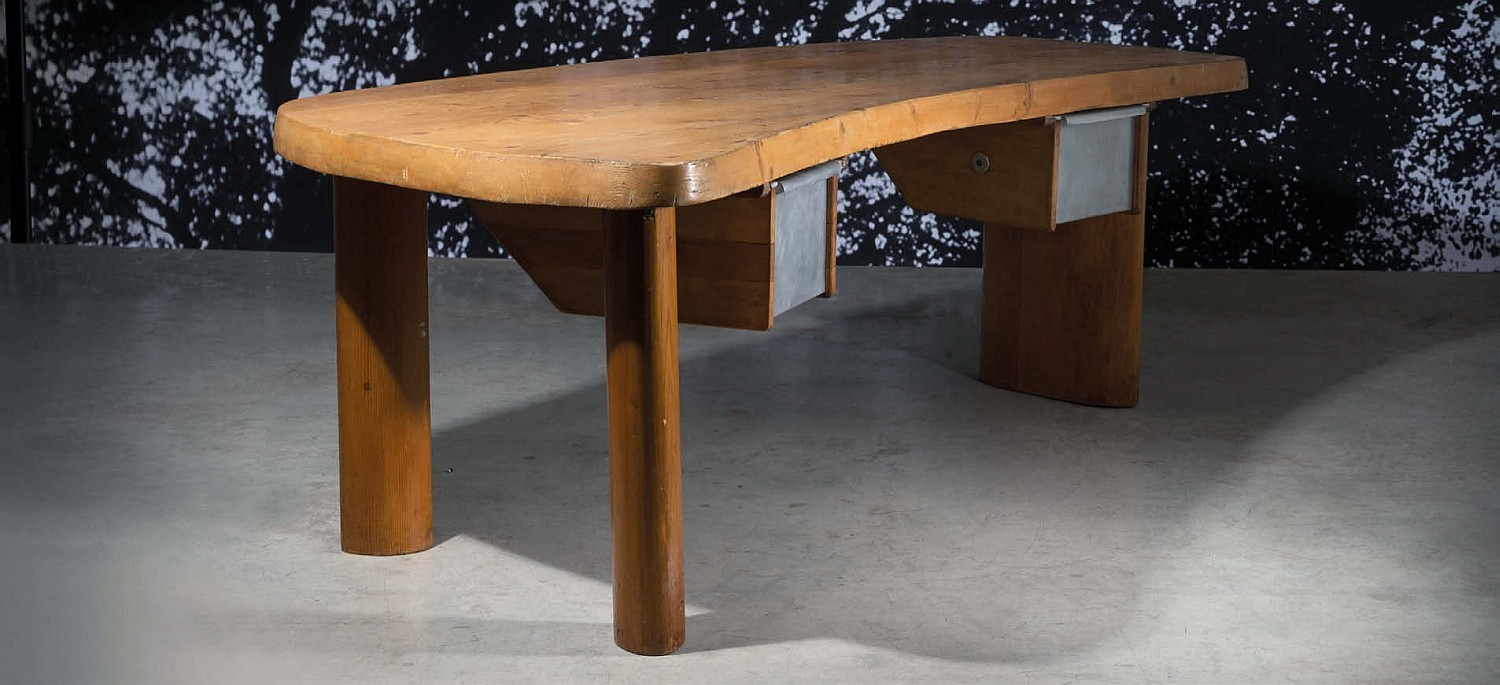 All Lots Sold And Record Set In Auction Of 20 Lots By Designer
