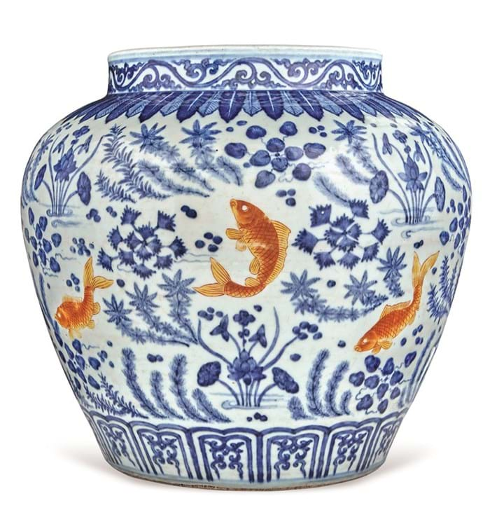 Qing dynasty decorated porcelain fish jar