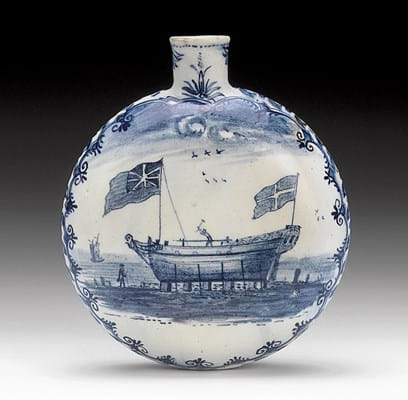 Lowestoft flask formerly in the collection of English porcelain scholar Geoffrey Godden